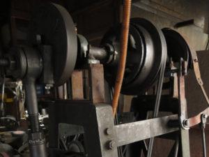 ベルトハンマーの構造